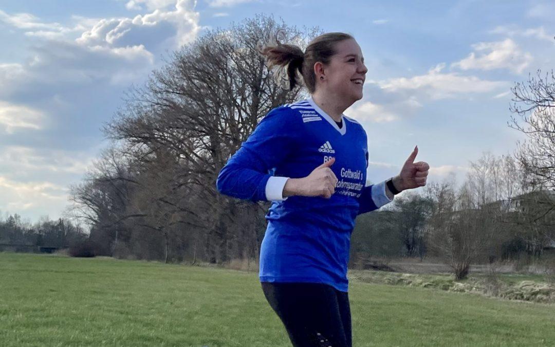 mit 100 Kilometer die Topläuferin im Spendenlauf: Damenspielerin Bianca Sirch